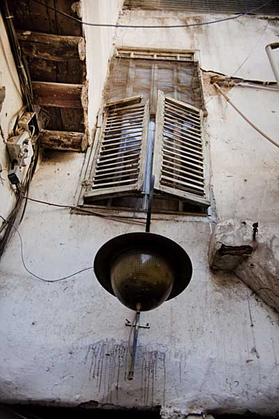 Window in backstreet of Damascus where Nizar Qabbani is buried. Shahidul Alam/Drik/Majority World