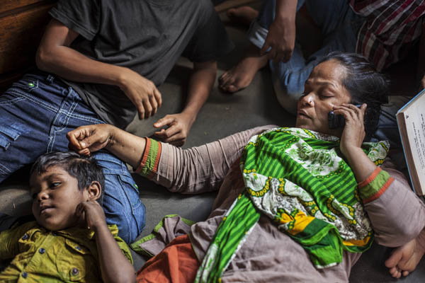 Hajera with her kids. Photo: Shahidul Alam/Drik/Majority World